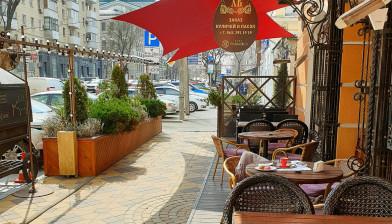 Открытие летней площадки кафе Манжо.